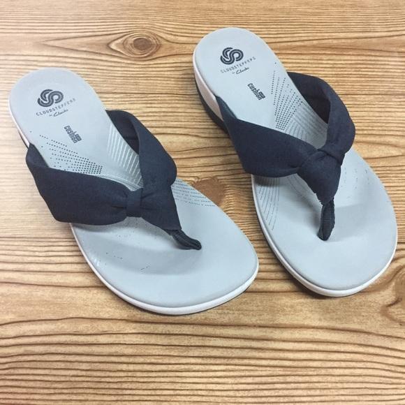 c02ccd2ae6d Clarks cloud steppers sandals  Arla Gilson  Sz 8. M 5b4ba4f312cd4a815582d424